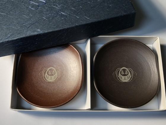 2020.01.17  1/21『越前焼・あげだるま箸置き皿』2個入りを新発売致します。
